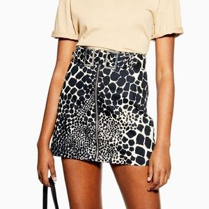 topshop • denim giraffe mini skirt